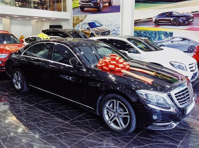 Kỷ niệm 15 năm cuộc hẹn đầu tiên, đại gia Hà Nội chi 2,4 tỷ đồng tậu Mercedes-Benz S 400 tặng vợ ngày Valentine - Ảnh 1.