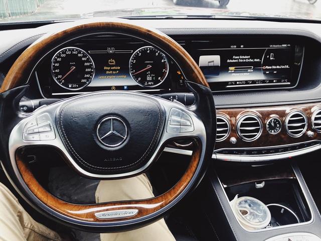 Kỷ niệm 15 năm cuộc hẹn đầu tiên, đại gia Hà Nội chi 2,4 tỷ đồng tậu Mercedes-Benz S 400 tặng vợ ngày Valentine - Ảnh 2.