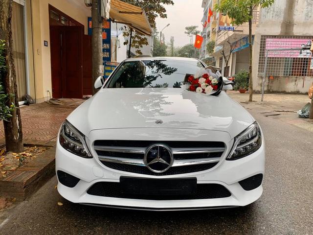 Chồng nhà người ta: Mua Mercedes-Benz C 200 gần 1,5 tỷ tặng vợ dịp Valentine, nhất định chọn màu vợ thích và 'ship' đến tận cửa nhà để tạo bất ngờ - Ảnh 4.