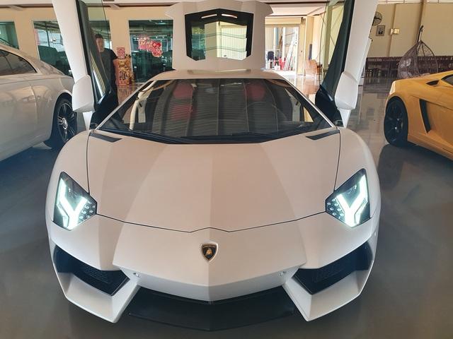 7 tỷ cũng mua được siêu xe như mới: Lamborghini Aventador chào hàng đại gia Việt khi mới chỉ lăn bánh 1.200km - Ảnh 1.