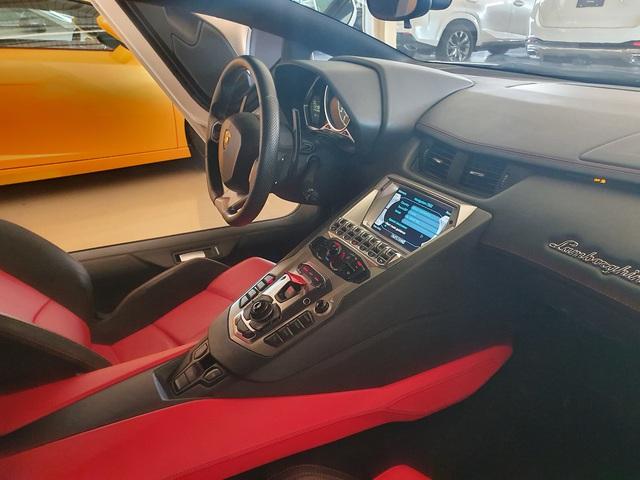 7 tỷ cũng mua được siêu xe như mới: Lamborghini Aventador chào hàng đại gia Việt khi mới chỉ lăn bánh 1.200km - Ảnh 6.