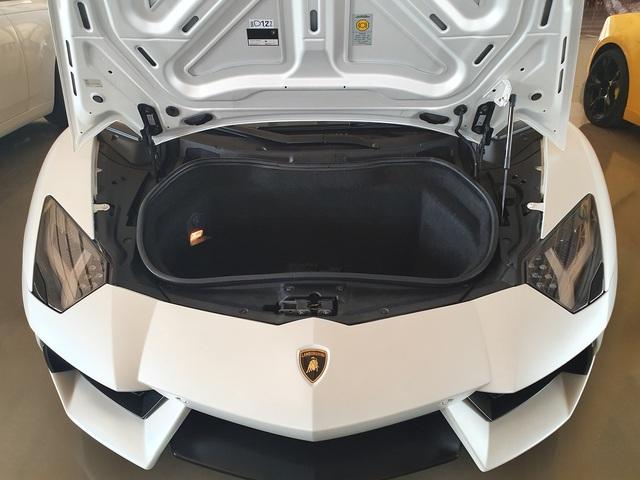 7 tỷ cũng mua được siêu xe như mới: Lamborghini Aventador chào hàng đại gia Việt khi mới chỉ lăn bánh 1.200km - Ảnh 3.