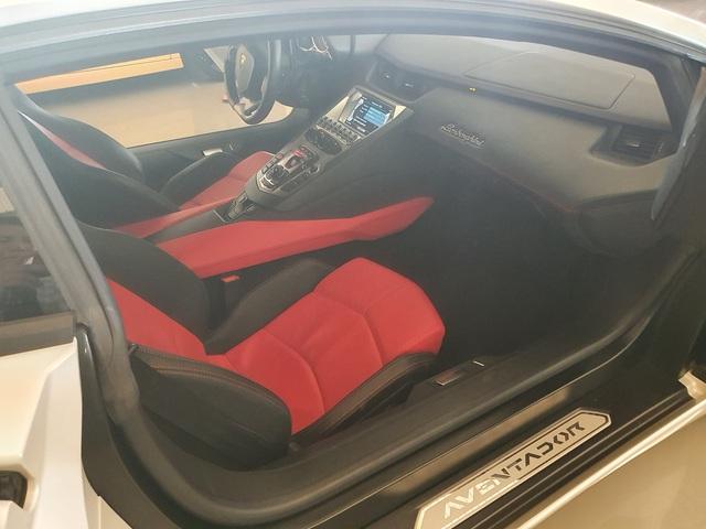 7 tỷ cũng mua được siêu xe như mới: Lamborghini Aventador chào hàng đại gia Việt khi mới chỉ lăn bánh 1.200km - Ảnh 5.