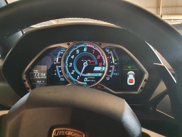 7 tỷ cũng mua được siêu xe như mới: Lamborghini Aventador chào hàng đại gia Việt khi mới chỉ lăn bánh 1.200km - Ảnh 2.