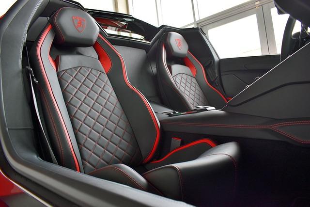Rộ tin Lamborghini Aventador S Roadster đầu tiên về Việt Nam: Màu tương phản với xe đại gia Hoàng Kim Khánh, mui có thể tháo rời - Ảnh 5.