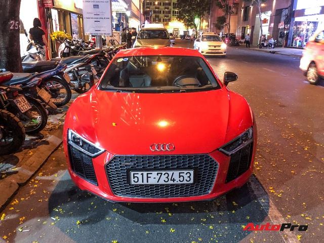Thiếu gia Phan Thành tái xuất cùng siêu xe Audi R8 V10 Plus trên phố Sài Gòn - Ảnh 2.