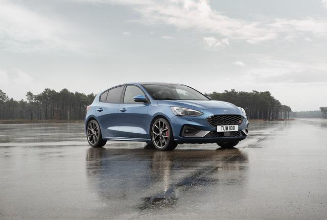 Ford Focus RS dời ngày ra mắt, buộc phải đưa ra thay đổi lớn để tránh theo vết xe đổ Focus thường - Ảnh 1.