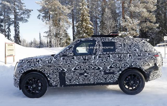 Range Rover Sport đời mới lần đầu lộ diện với 1 chi tiết cho thấy động cơ không hề tầm thường - Ảnh 2.