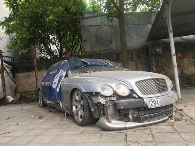 'Siêu phẩm' một thời Bentley Continental xuất hiện trên phố Hà Nội trong tình trạng vỡ nát, vài chi tiết còn sót lại gây ngạc nhiên - Ảnh 3.