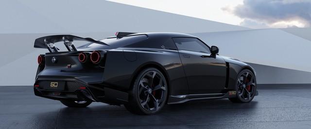GT-R50 triệu đô đẹp là thế mà màn quảng cáo kém sang của Nissan xứng đáng bị bêu riếu - Ảnh 3.