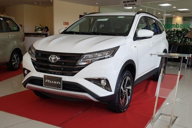 Toyota Rush giảm giá 30 triệu đồng - Đòn cứu vớt doanh số trước Mitsubishi Xpander - Ảnh 1.