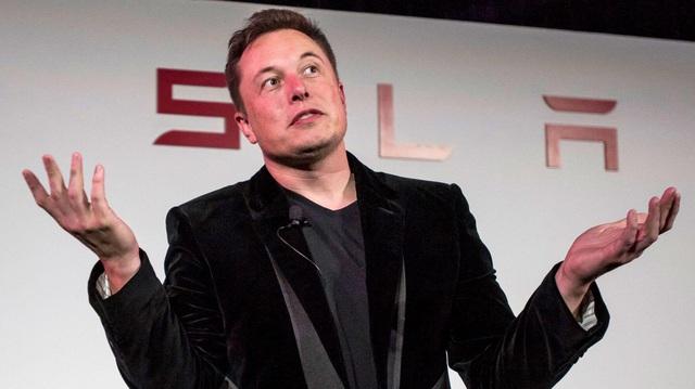 Elon Musk dỗi vì Bill Gates mua Porsche Taycan thay vì Tesla Model S
