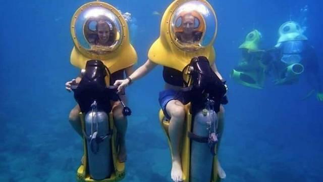 Khám phá chiếc xe máy đặc biệt có thể di chuyển dưới nước - Ảnh 3.