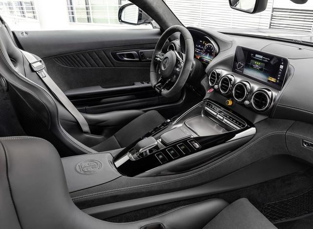 Siêu xe Mercedes-AMG GT R đầu tiên về Việt Nam, riêng màu sơn tốn tiền bằng cả chiếc Honda SH - Ảnh 5.