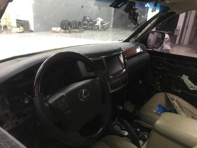 Dân chơi Việt lột xác 'đồ cổ' Lexus LX 470 thành LX 570 đời mới: Xe 1 tỷ trông như xe 8 tỷ, người thường khó nhận ra - Ảnh 6.