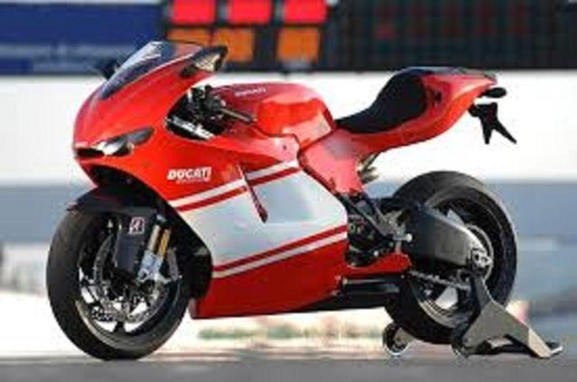 Siêu trộm khoét thủng tường để lấy cắp mô tô tiền tỷ Ducati - Ảnh 2.