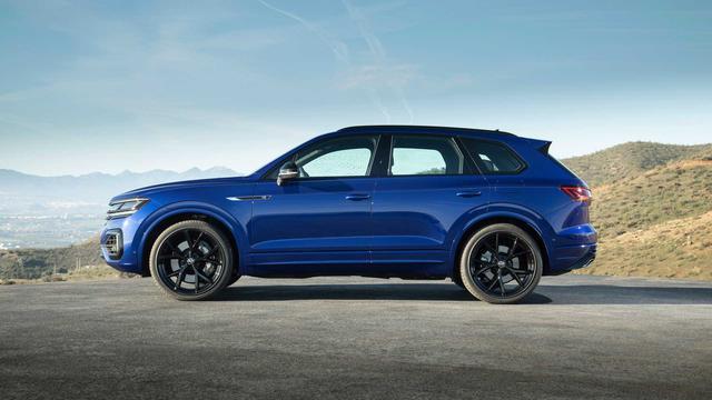 Ra mắt Volkswagen Touareg R - Bản hiệu suất cao của SUV 5 chỗ đang bán ở Việt Nam - Ảnh 3.