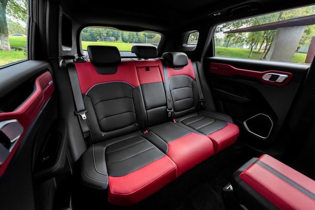 Hãng xe Trung Quốc Geely mở bán SUV Icon đẹp như Volvo, bảo vệ người dùng khỏi virus, giá rẻ bèo từ 16.500 USD - Ảnh 5.