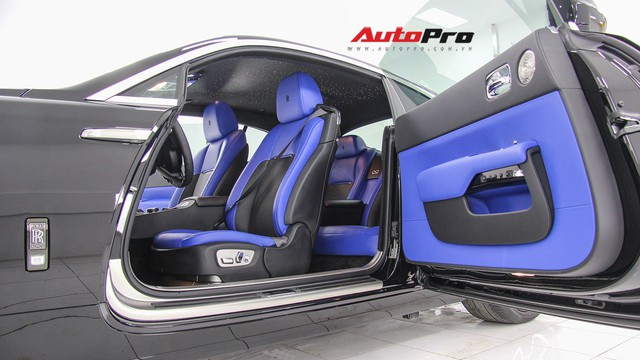 Sở hữu Rolls-Royce Wraith Black Badge đầu tiên Việt Nam nhưng chỉ chạy 4.000 km, đại gia Hà Nội bán xe với giá hơn 10 tỷ đồng - Ảnh 3.