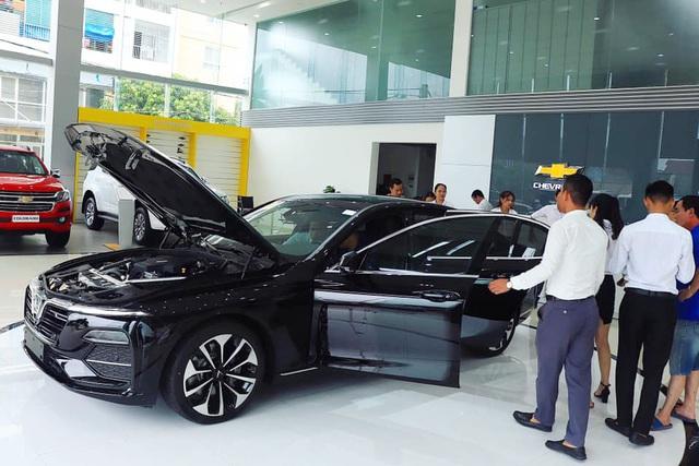 Giá ô tô VinFast được chiết khấu cả trăm triệu tại đại lý - Ảnh 1.