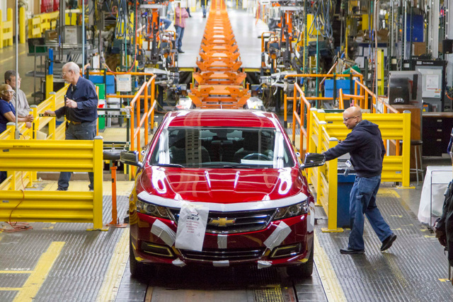 Chevrolet đã lắp ráp chiếc sedan cỡ lớn cuối cùng, chia tay huyền thoại đã gắn bó 63 năm - Ảnh 1.