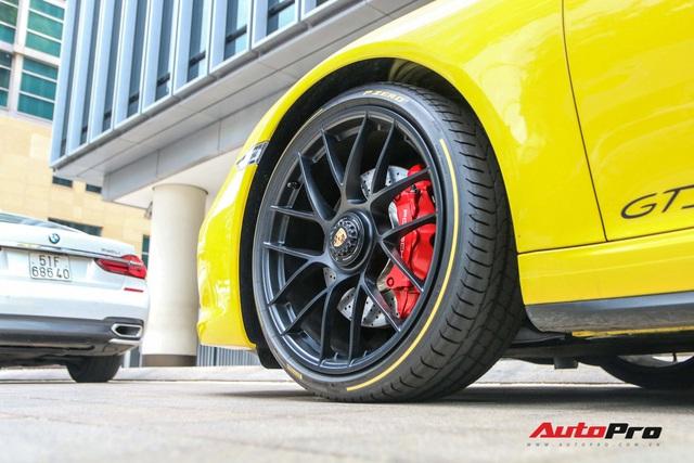 Bắt gặp Porsche 911 Carrera GTS vàng hành tung bí ẩn nhất Việt Nam - Ảnh 6.