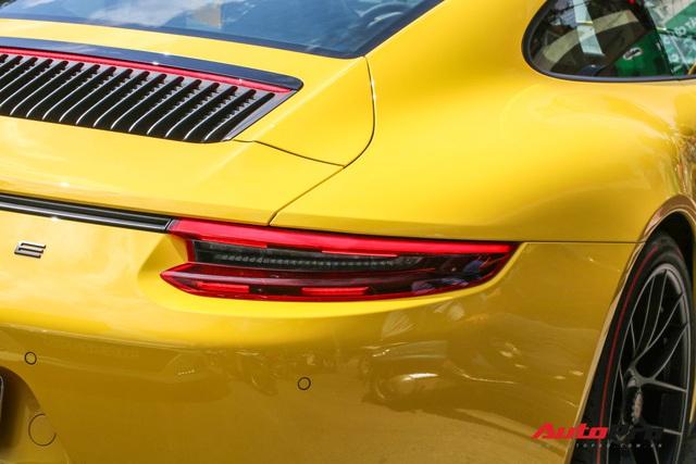 Bắt gặp Porsche 911 Carrera GTS vàng hành tung bí ẩn nhất Việt Nam - Ảnh 9.