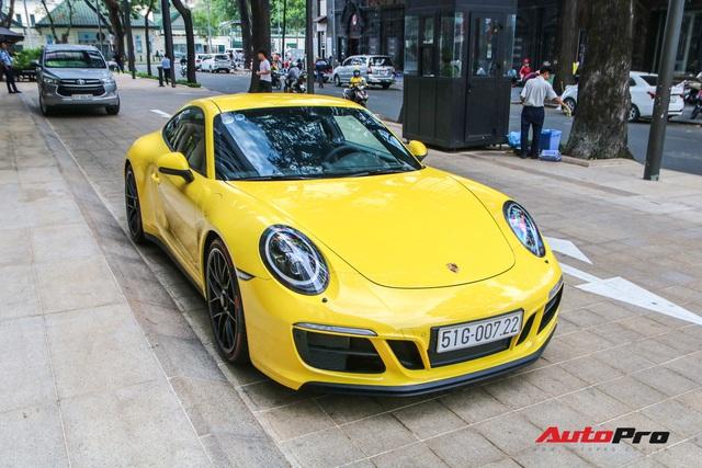 Bắt gặp Porsche 911 Carrera GTS vàng hành tung bí ẩn nhất Việt Nam - Ảnh 1.