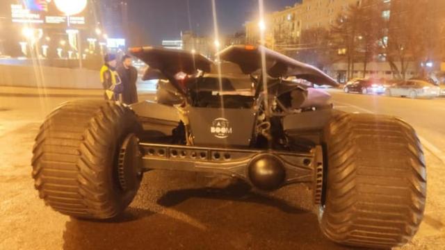 Không phải có tiền là có tất cả, siêu xe Batmobile triệu USD bị cảnh sát tịch thu vì lý do bất đắc dĩ - Ảnh 5.