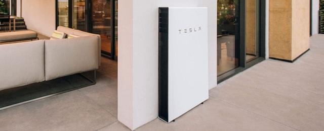 Pin trong nhà Powerwall của Tesla sau 4 năm sử dụng: Giúp tiết kiệm hơn 100 USD tiền điện mỗi tháng, có lãi sau 7 năm - Ảnh 1.