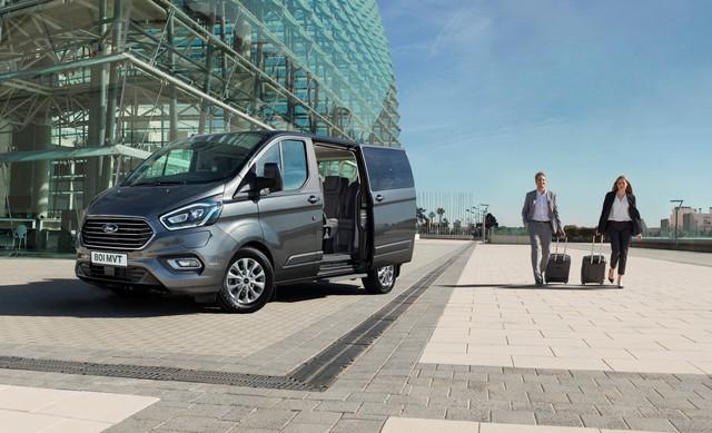 Ford Transit mới chạy thử nhưng thiết kế siêu dài, siêu dị mới đáng chú ý - Ảnh 4.