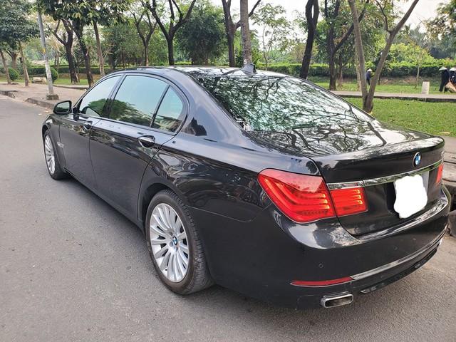 Sau màn trẻ hoá 3 năm tuổi, BMW 750 Li được rao bán với giá rẻ ngang Mazda3 mua mới - Ảnh 2.