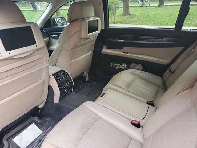 Sau màn trẻ hoá 3 năm tuổi, BMW 750 Li được rao bán với giá rẻ ngang Mazda3 mua mới - Ảnh 4.