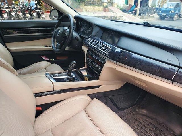 Sau màn trẻ hoá 3 năm tuổi, BMW 750 Li được rao bán với giá rẻ ngang Mazda3 mua mới - Ảnh 3.