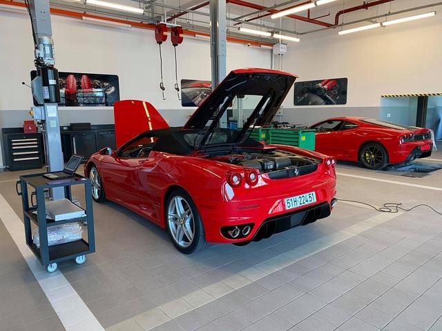 Cặp đôi Ferrari F430 trong lô xe của trùm Dũng 'mặt sắt' bất ngờ trở lại với diện mạo bóng bẩy - Ảnh 3.