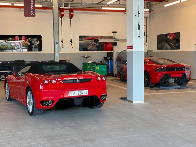 Cặp đôi Ferrari F430 trong lô xe của trùm Dũng 'mặt sắt' bất ngờ trở lại với diện mạo bóng bẩy - Ảnh 2.