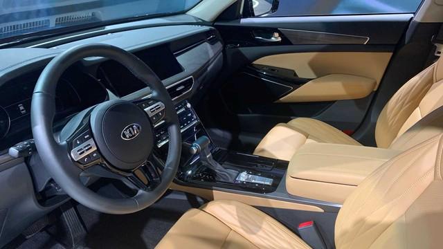 Kia K7 2020 có lưới tản nhiệt siêu to khổng lồ như BMW 7-Series, nội thất lột xác khỏi thiết kế lỗi thời của bản cũ - Ảnh 6.