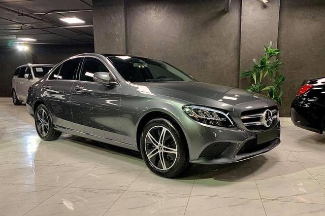 Lộ diện Mercedes-Benz C 180 'giá rẻ' sắp bán tại Việt Nam - Xe sang Đức cạnh tranh Toyota Camry, Honda Accord - Ảnh 2.