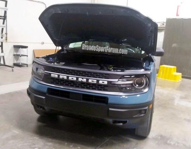 Anh em Escape là Ford Bronco Sport lộ diện, sẵn sàng chào sân trong tháng tới - Ảnh 1.