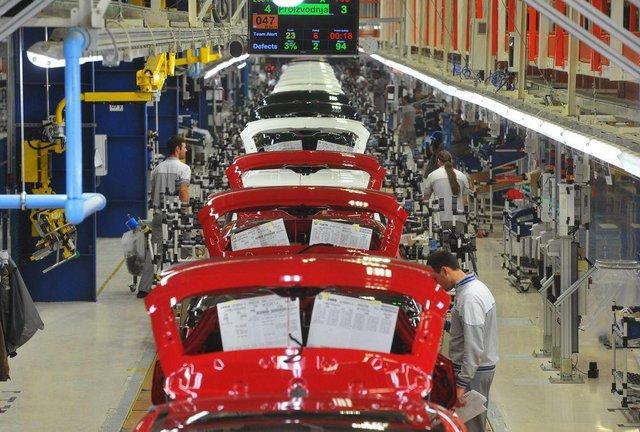Công nghiệp ô tô toàn cầu bị bóp nghẹt bởi Covid-19 - Ảnh 3.