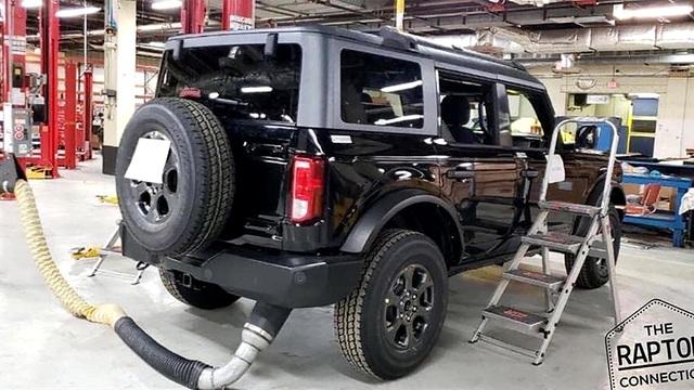 Đây là cách Ford đặt tên dòng xe việt dã chủ lực: Ranger có Wildtrak còn Bronco lại có... Wolftrak