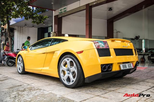 Lamborghini Gallardo từng gắn liền với tên tuổi Cường Đô-la bất ngờ xuất hiện trên phố Sài Gòn - Ảnh 2.