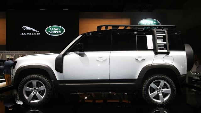 Land Rover Defender sắp có phiên bản mini, giá rẻ cạnh tranh Mercedes GLA - Ảnh 2.