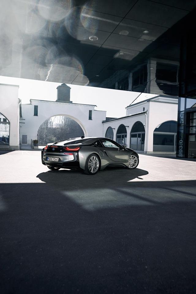 BMW i8: Xe thể thao chạy điện thành công nhất toàn cầu chính thức nói lời chia tay - Ảnh 4.