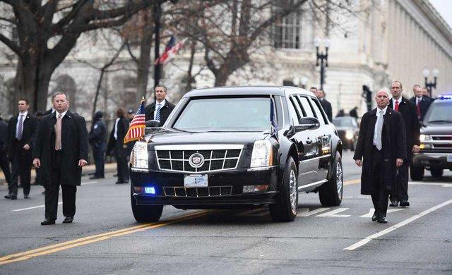 Đi xe kiểu ứng viên Tổng thống Mỹ: Làm gì cũng phải đồng điệu - Ảnh 1.
