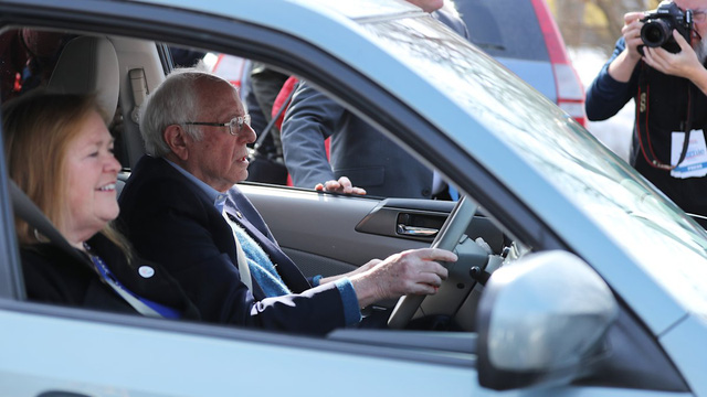 Đi xe kiểu ứng viên Tổng thống Mỹ: Làm gì cũng phải đồng điệu - Ảnh 4.
