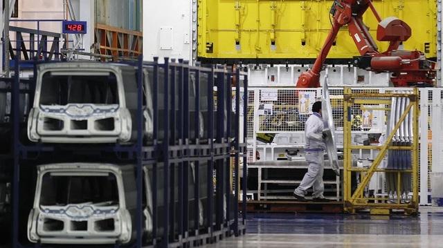 """Đến lượt các hãng xe Ý """"đóng băng"""", chuỗi cung ứng toàn cầu lại mất thêm mắt xích quan trọng"""