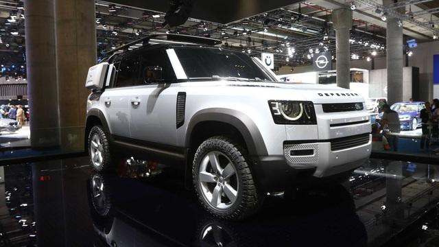 Land Rover Defender sắp có phiên bản mini, giá rẻ cạnh tranh Mercedes GLA