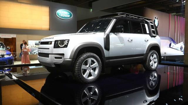 Land Rover Defender 90 chốt lịch bán mới do ảnh hưởng của dịch bệnh - Ảnh 1.