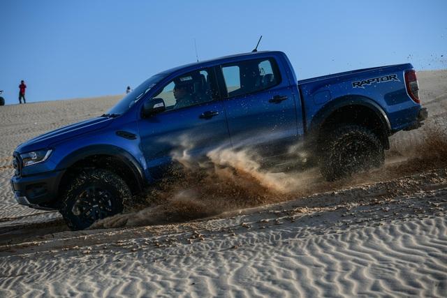 Ford Ranger Raptor thế hệ mới sẽ mạnh hơn cả Porsche 718 Cayman GTS, tính làm trùm phân khúc bán tải hạng nhẹ? - Ảnh 2.